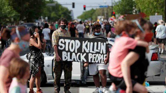 protestan por la muerte de un afroamericano
