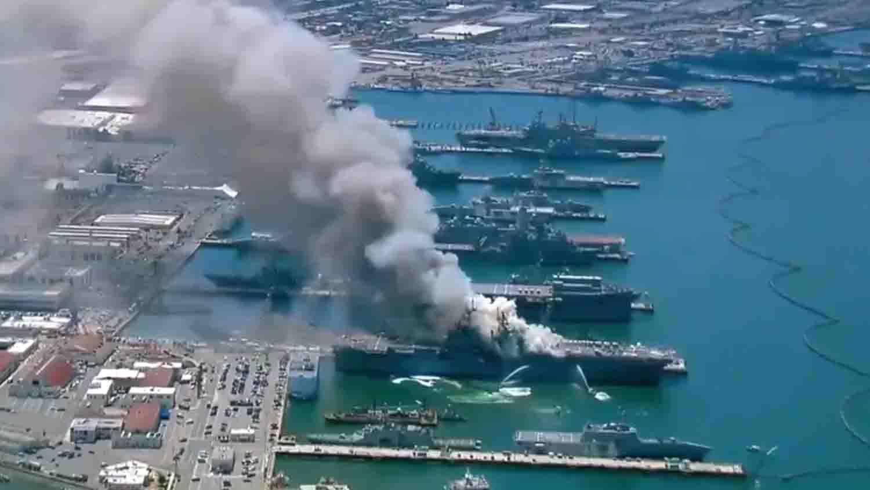 Explosión y fuego buque de la Armada1