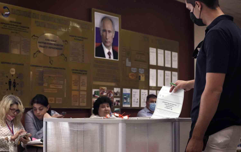 Rusia apoya en las urnas la maniobra de Putin