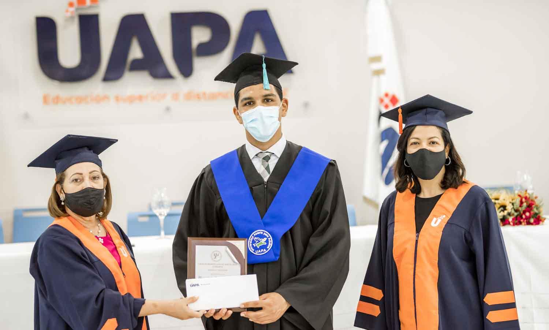 Graduado uapa