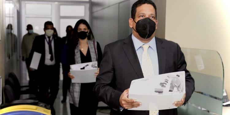 Paso a paso: Así fue entrega expedientes en Procuraduría por irregularidades INAIPI y Plan Social