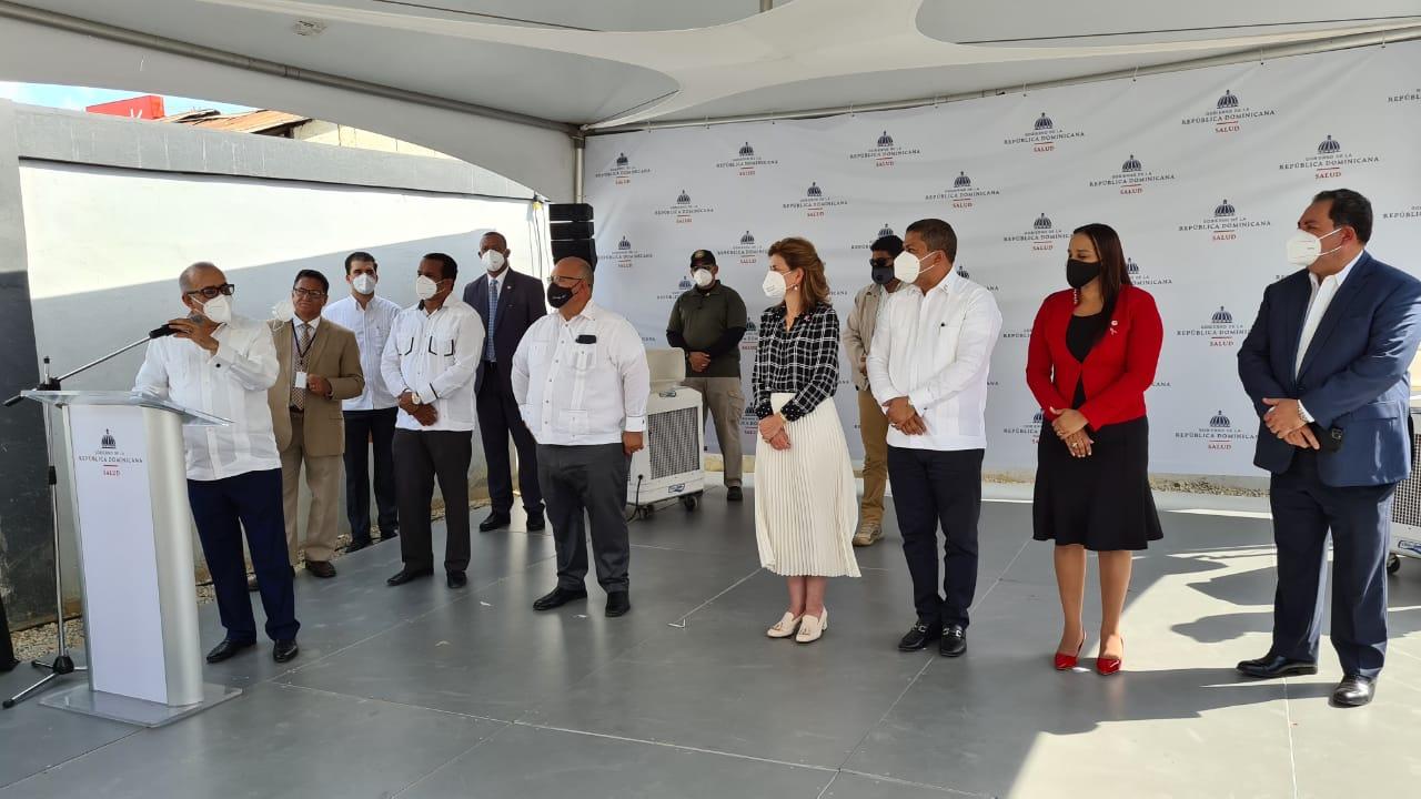 La vice presidenta Raquel Peña y Plutarco Arias Ministro de Salud