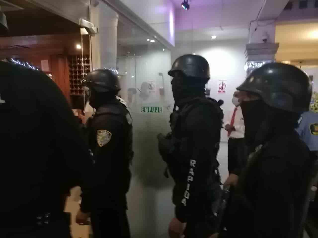 Allanan y detienen a Fernando Rosa dirigente del PLD en Santiago