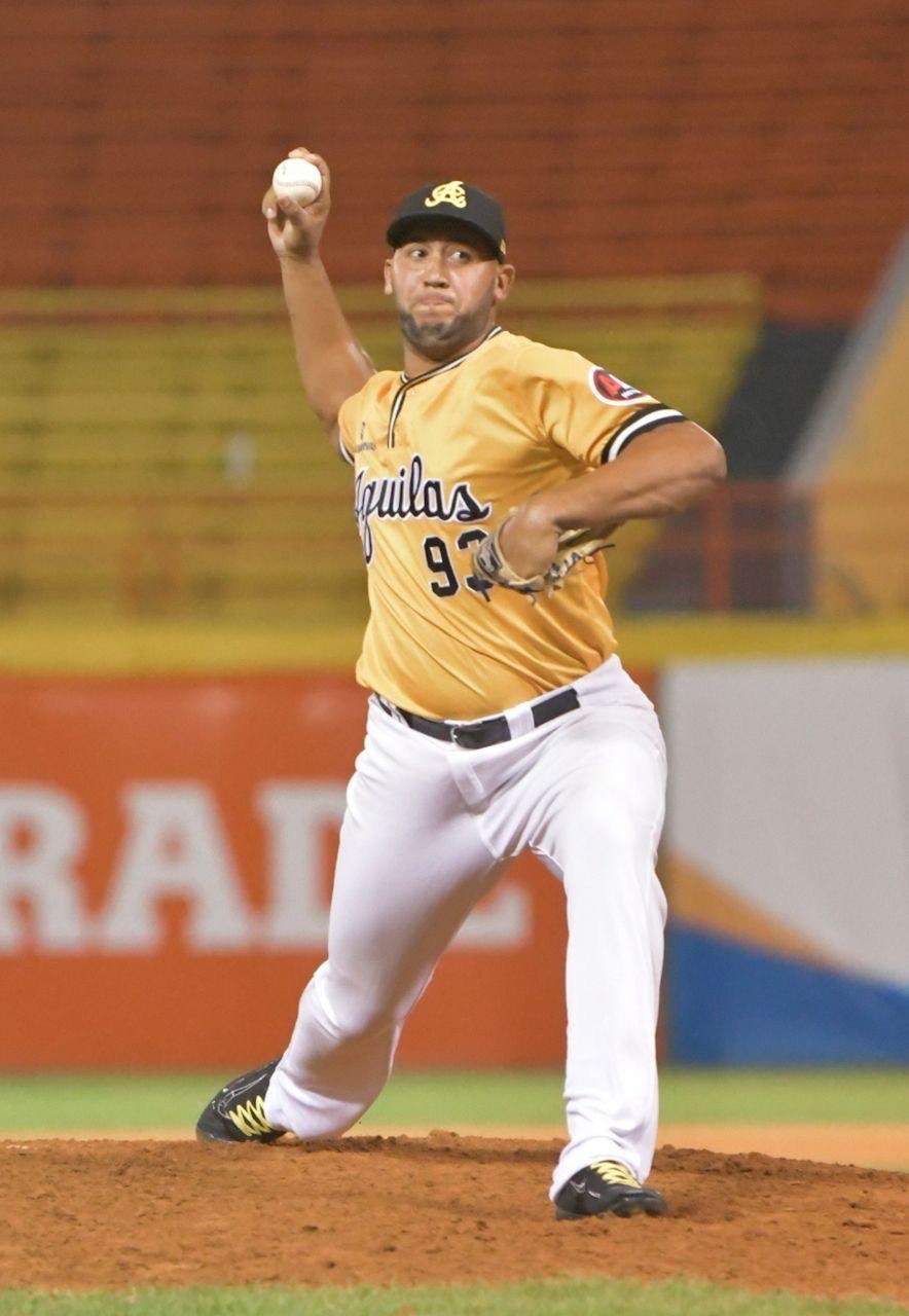 Daury Torrez pitcher aguilas cibaeñas