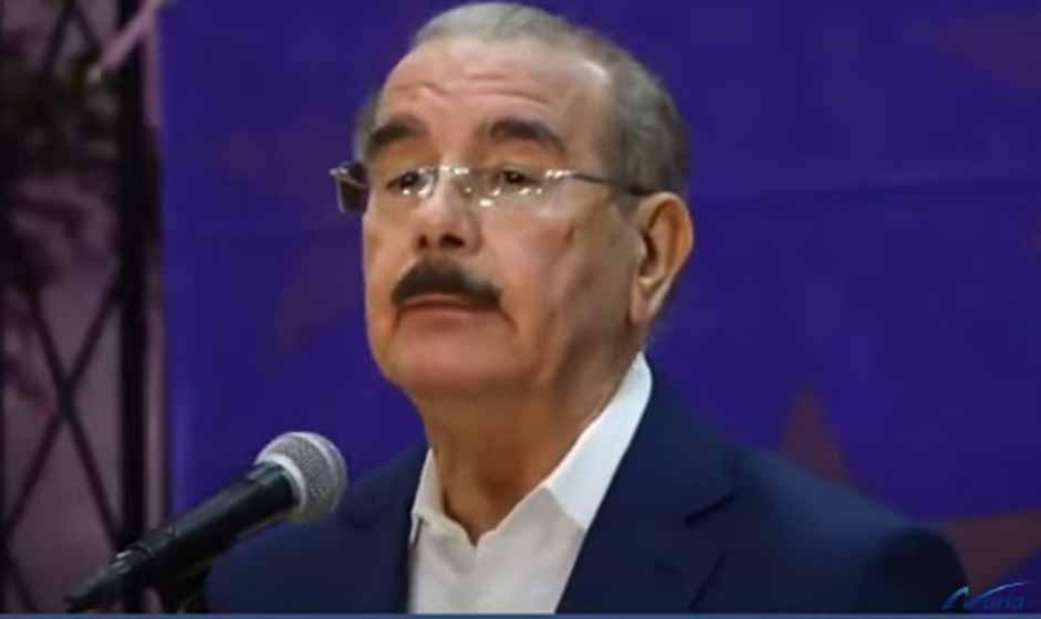"""EL CHISTE DEL DIA, Danilo no está """"apoyando"""" a ningún candidato a la Secretaría General del PLD"""