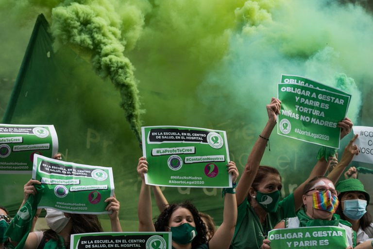 aborto es legal en la Argentina large