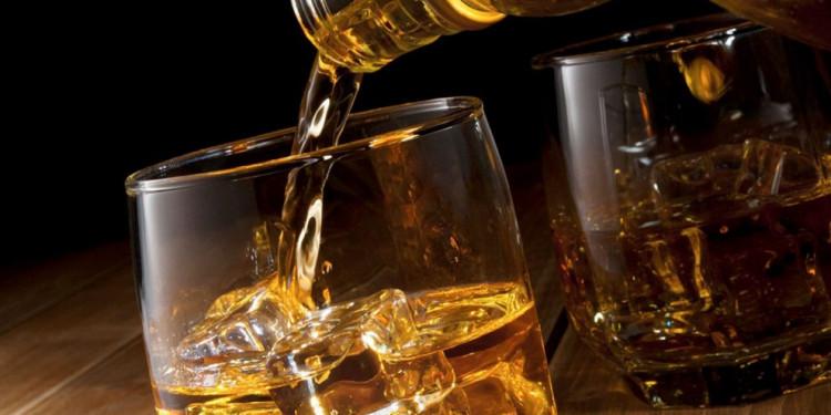 Gobierno prohíbe venta de bebidas alcohólicas a partir de las 6:00 de la tarde