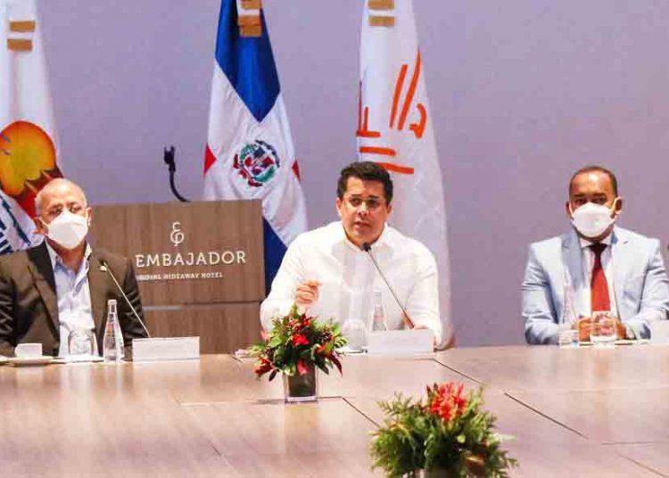 Gabinete de Turismo asegura que RD está preparada para hacer pruebas a  todos sus turistas - El Jacaguero