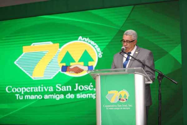 Jose Abelardo Estevez presidente del Consejo de Administracion de la Cooperativa San Jose.