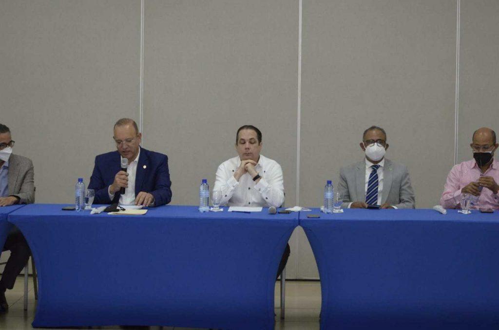 PROINDUSTRIA explica a industriales de Santiago