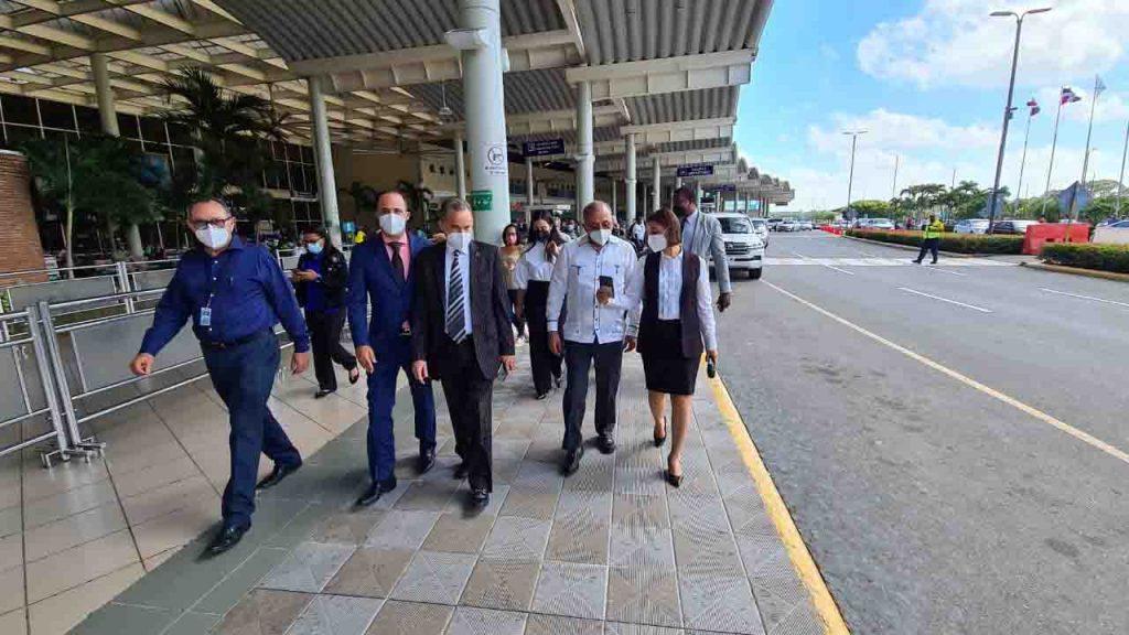 Salud publica y aeropuerto cibao