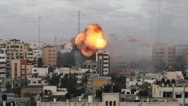 Israel esta bombardeando de forma intensiva zonas residenciales1