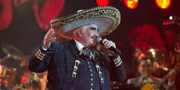 """Médicos reportan """"grave"""" al cantante mexicano Vicente Fernández"""