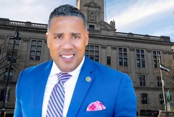 Fiscalía de NJ mantiene cargos por fraude electoral al concejal dominicano Alex Méndez